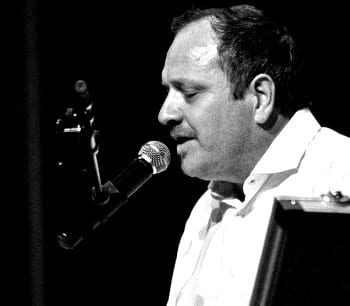 ODD KARLSEN – entertainer med sterk vokal!