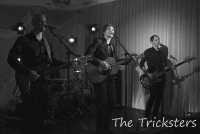 THE TRICKSTERS – består av et mannskap med meget bred musikalsk erfaring