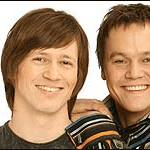 Hans Petter Moen & Kim Wifladt med partybandet Hot Rockets