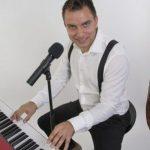 ArneGull – et fyrverkeri av en pianobarentertainer!